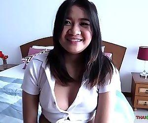 Cute fat Thai girl loves to..