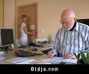 Old boss evaluates his young..